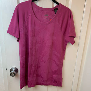 NWT The North Face Short Sleeve Valley Sky. XL